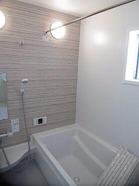 新築一戸建て-町田市小山町 窓のある浴室乾燥機付きバスルーム