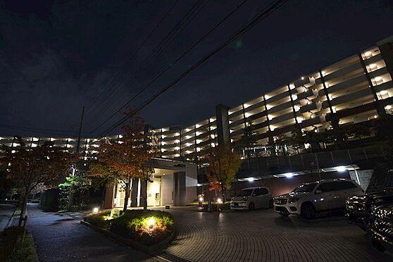 中古マンション-川崎市麻生区はるひ野1丁目 夜の外観