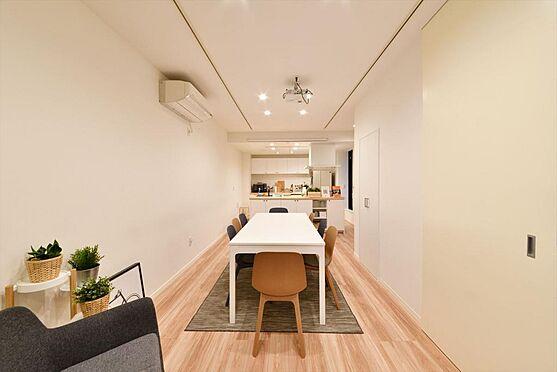 店舗付住宅(建物全部)-港区南青山4丁目 1Fオフィス リビング 収納スペースもございます