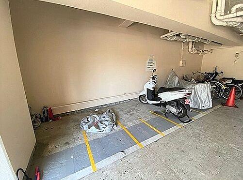 区分マンション-大阪市城東区中央3丁目 雨風で汚れない屋内バイク置き場