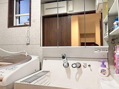 戸建賃貸-額田郡幸田町大字坂崎字石ノ塔 洗面からお化粧まで!忙しい朝の準備にぴったりな洗面化粧台付きです♪