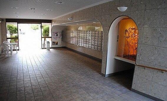 区分マンション-京都市右京区西京極大門町 広々としたエントランス