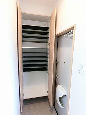 アパート-呉市阿賀中央2丁目 102号室:靴もしっかりと収納できます。