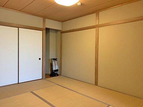 中古マンション-伊東市富戸 ≪和室≫ こちらはリビング横にある6帖の和室です。