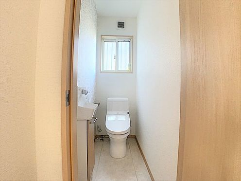 中古一戸建て-名古屋市守山区鳥羽見3丁目 手洗い場があるトイレ。