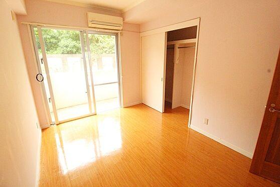 アパート-沖縄市宮里3丁目 洋室