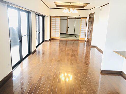 中古マンション-名古屋市千種区自由ケ丘2丁目 南に面した明るいリビング!