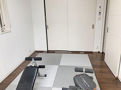 戸建賃貸-知多郡東浦町大字緒川字組田 キッチン隣の畳寄せは、多目的に利用できます!