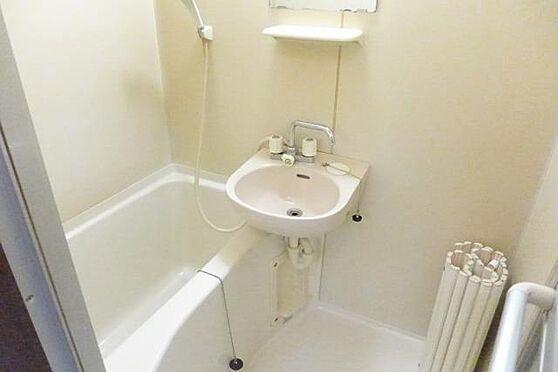 マンション(建物一部)-大和市西鶴間1丁目 バストイレ別で快適です。