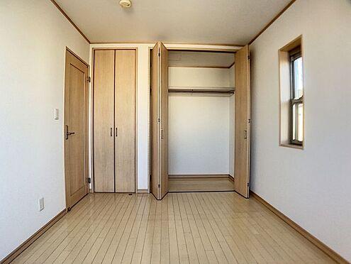 戸建賃貸-一宮市今伊勢町馬寄字上畑田 二つの収納付きの洋室!お部屋もスッキリ片付きます!