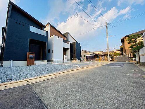 新築一戸建て-福岡市南区西長住3丁目 南面道路約4.0m!閑静な住宅街で車通りも少ないため、駐車時も安心です。
