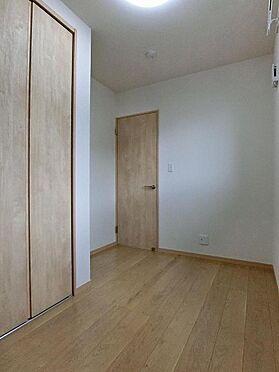 アパート-呉市阿賀中央2丁目 201号室:収納もしっかりと付いた洋室です。