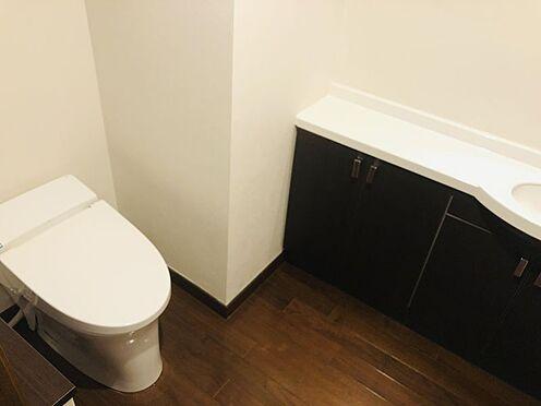 中古マンション-名古屋市千種区自由ケ丘2丁目 タンクレストイレのため掃除もしやすくトイレを清潔に保てます!