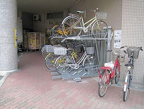 マンション(建物一部)-大阪市淀川区西宮原3丁目 台数を多く置ける駐輪場もあり。