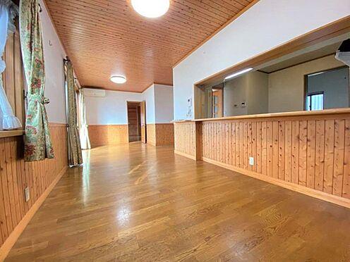 中古一戸建て-江南市曽本町幼川添 開放感のある21帖超えのLDK。