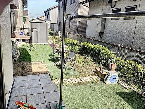戸建賃貸-知多郡東浦町大字石浜字南ヶ丘 お子様のプールやBBQなどで楽しめるウッドデッキ付きのお庭です