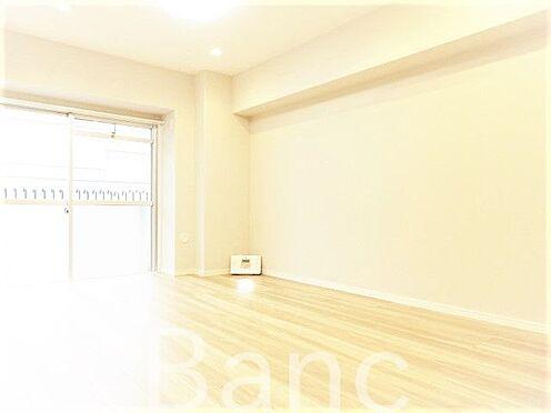 中古マンション-墨田区亀沢2丁目 梁の無いリビングで家具の配置がしやすい間取りです。