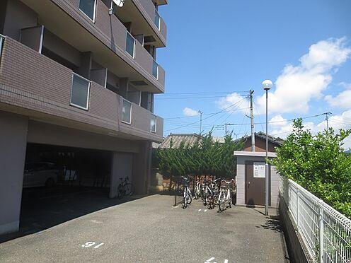マンション(建物一部)-北九州市八幡西区中須2丁目 敷地の奥です。