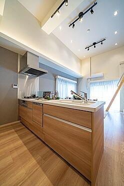 中古マンション-大田区西蒲田7丁目 フルオープンの対面キッチンですのでご家族と対話しながらお料理できます