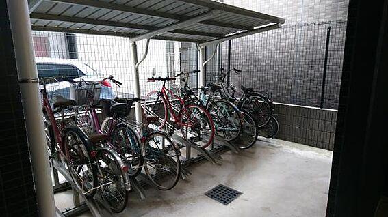 マンション(建物一部)-台東区浅草6丁目 嬉しい屋根付き15台分の駐輪スペース♪ 7台分のミニバイク置き場もあり♪