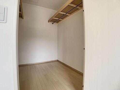 戸建賃貸-みよし市三好町大坪 2階にはWICがございます。スーツケースなどの大きな荷物も楽々収納できますね!