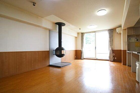 中古マンション-田方郡函南町平井 現在オーナー様が居住中ですが、いつも手入れをされているのか綺麗に整頓されています。