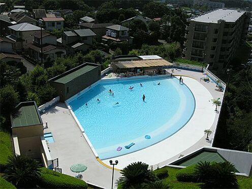 中古マンション-伊東市荻 【屋外プール】屋外の波の出るプールです。伊東エリアではこのマンションだけです。