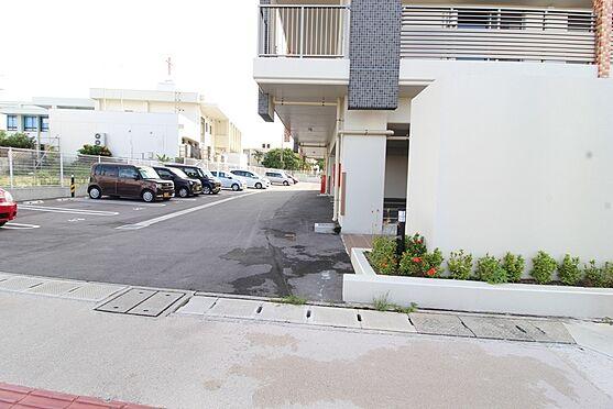 マンション(建物一部)-沖縄市知花6丁目 駐車場