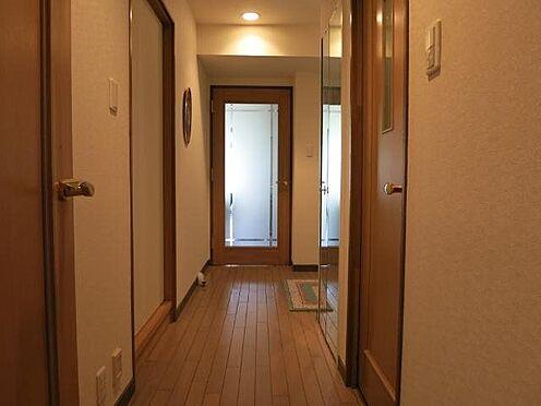 中古マンション-田方郡函南町平井 廊下:室内は和室以外は全てフローリングとなっております。