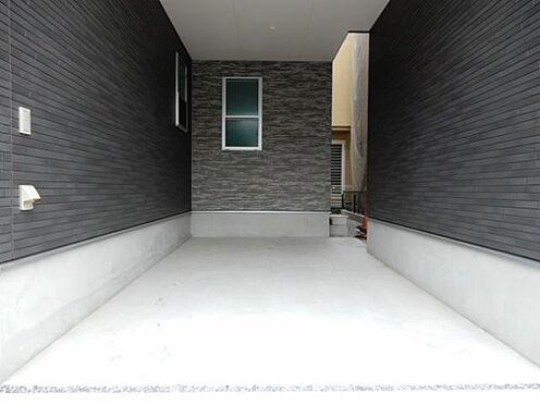 新築一戸建て-足立区梅田1丁目 玄関