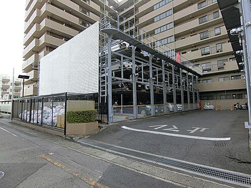 マンション(建物一部)-越谷市千間台西1丁目 敷地内駐車場があります。