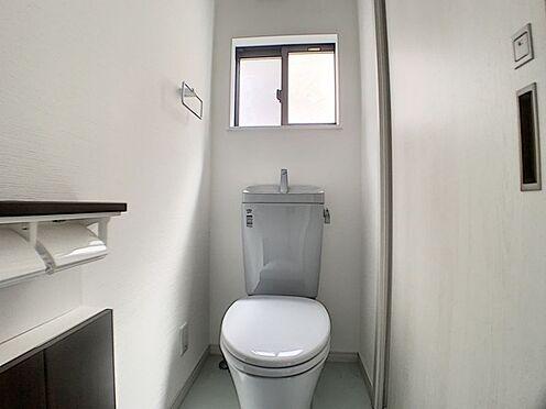 中古一戸建て-安城市和泉町八斗蒔 トイレは1階と2階にあるので階段を降りなくてもいいので便利です