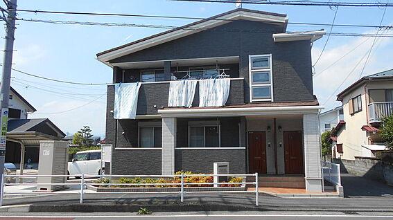 アパート-小田原市曽比 商業施設も整ったロケーションです。
