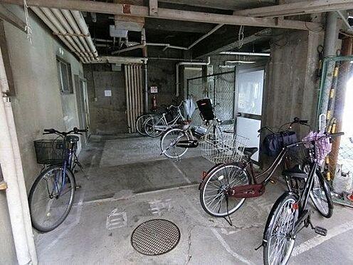 マンション(建物一部)-大阪市都島区高倉町1丁目 雨風を防ぐ屋内駐輪場