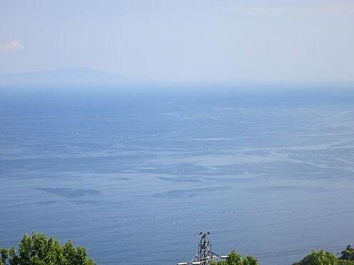 リゾートマンション-熱海市伊豆山 水平線と青い空。山と海に包まれたリゾート環境。