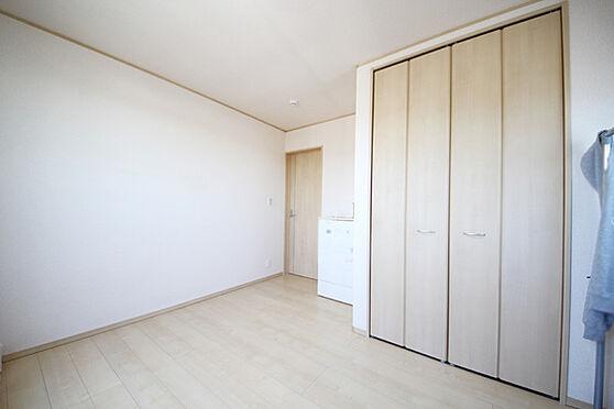 建物全部その他-八王子市川口町 7帖の洋室 室内はとても陽当りが良く、使い勝手の良い洋室です。