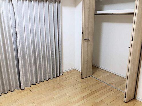 区分マンション-名古屋市西区貴生町 バルコニーに出入り可能な洋室7帖。