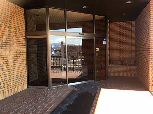 マンション(建物一部)-札幌市豊平区平岸二条18丁目 毎日通るエントランスはこのようになっています
