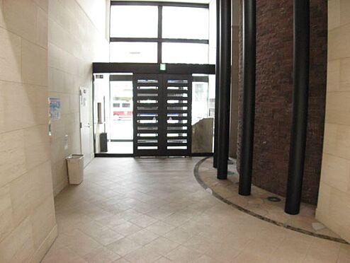 マンション(建物一部)-大阪市西淀川区野里1丁目 開放感があるエントランス。
