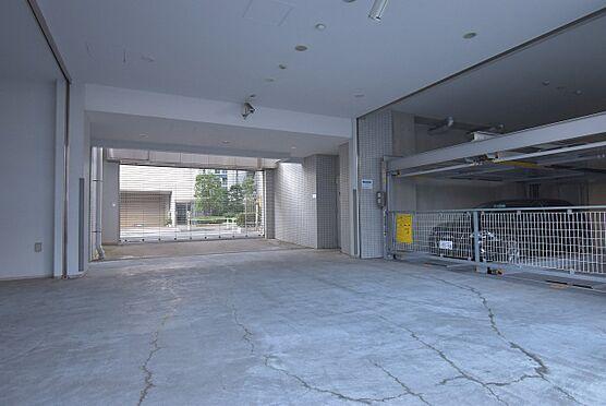 区分マンション-港区芝浦2丁目 リングシャッターゲート付きの駐車場