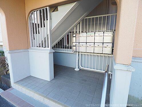 区分マンション-千葉市美浜区高浜4丁目 集合ポストもありきれいに管理されたエントランスです!