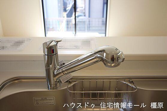 戸建賃貸-磯城郡田原本町大字阪手 水栓一体型の浄水器。場所を取らずにきれいな水がいつでも利用できます