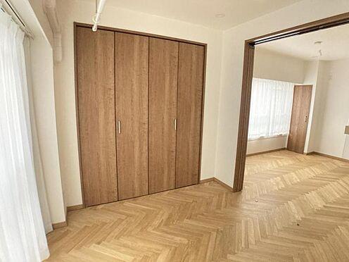 中古マンション-名古屋市千種区池下1丁目 洋室には収納スペース有♪お部屋をスッキリお使い頂けます!