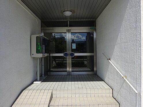 マンション(建物一部)-大阪市淀川区宮原1丁目 キレイに清掃されたエントランス。
