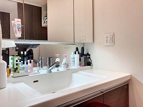中古マンション-名古屋市緑区鳴海町字伝治山 ワイドな鏡とボウルで洗面からお化粧までできます♪