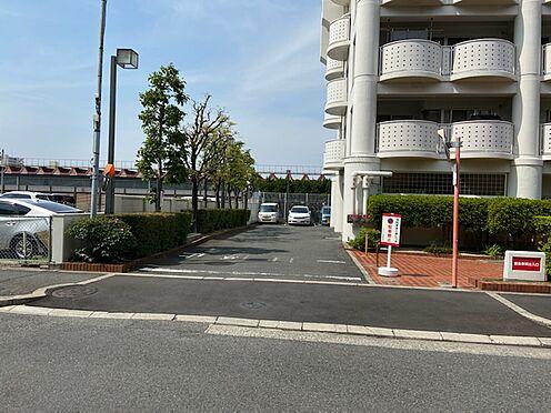 マンション(建物一部)-八尾市若林町1丁目 駐車場出入口