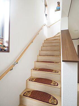 中古一戸建て-江戸川区東葛西3丁目 明るい階段