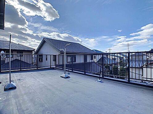 中古一戸建て-名古屋市守山区大屋敷 広々としたバルコニー。お子様の遊べる場所としても最適です!