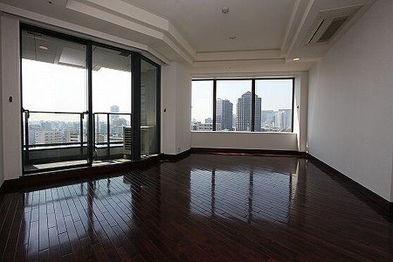 マンション(建物一部)-港区港南2丁目 リビング 室内写真は賃借人入居前に撮影したものです。