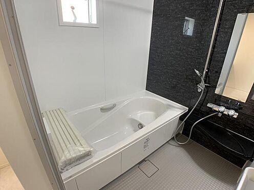 戸建賃貸-名古屋市中村区宿跡町2丁目 ※他現場での施工事例です。足を伸ばしてゆっくりくつろげる浴槽サイズ。